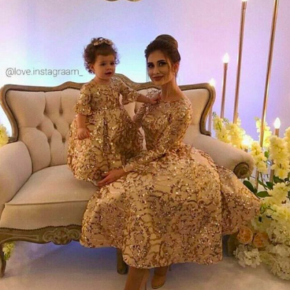 Mother and Daughter Matching Dresse..