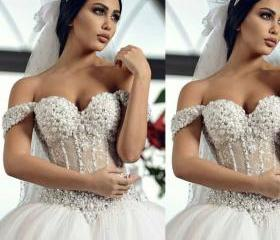 Peals Wedding Dress,..