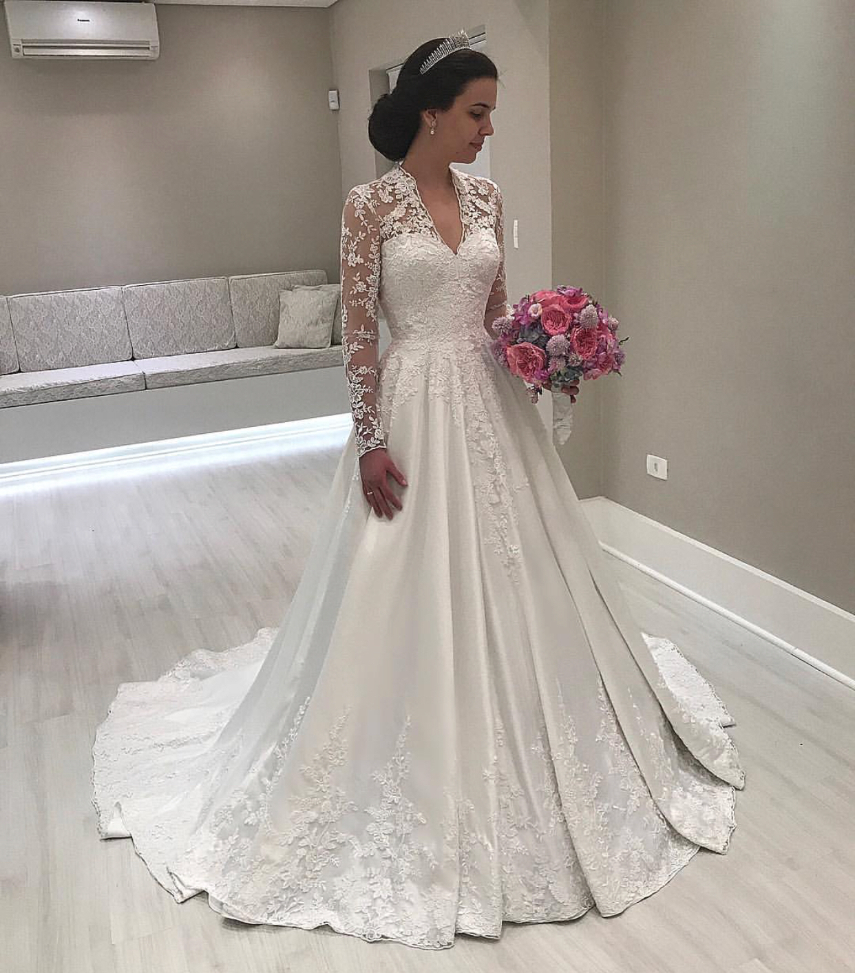 Lace Vintage Wedding Dress.Long Sleeve Wedding Dress Vintage Wedding Dress Lace Applique Wedding Dress Elegant Wedding Dress Gorgeous Wedding Dress Vestido De Noiva A Line