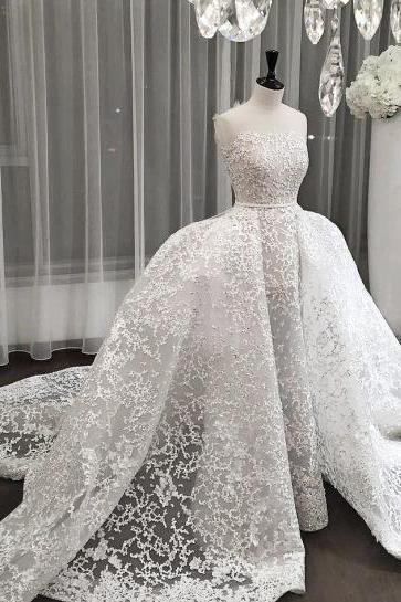 Strapless Lace Wedding Dress Featuring Detachable Skirt and Train