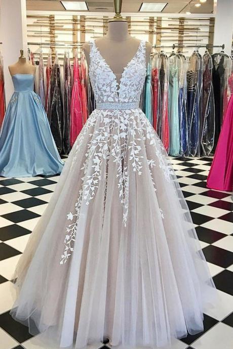champagne prom dress, lace applique prom dress, beaded prom dress, elegant prom dress, prom dresses 2020, vestido de festa, robe de soiree, crystals prom dress, prom gown, v neck prom dress, prom dresses long